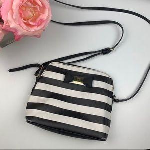 🌸Liz Claiborne Striped Crossbody Bag